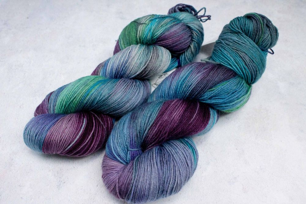 Spectre - 4ply & sock