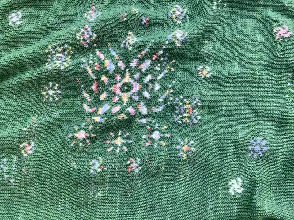 Close up of the central fireworks on hanabi shawl