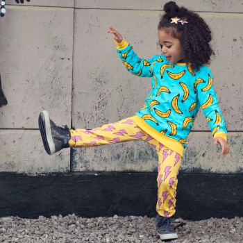 STRIKE A POSE Bolt Leggings