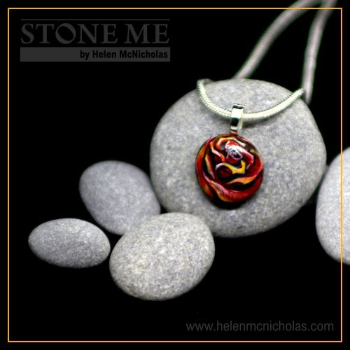 RED ROSE PEBBLE PENDANT