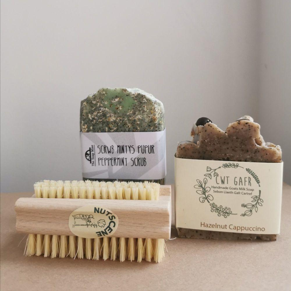 Cwt Gafr Hazelnut Cappuccino, The Soap Mine Peppermint Scrub and Nutscene N