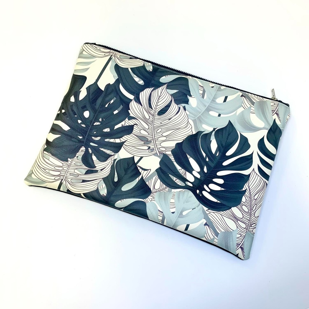 Palm leaves Make up pouch