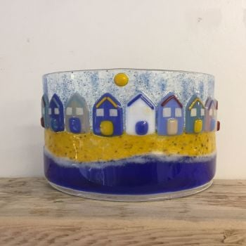 Summer Beach Hut Freestanding Curved Scene