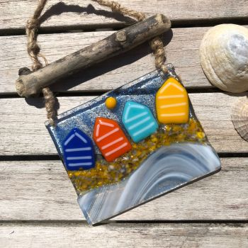 Little Beach Huts on Driftwood Hanging 1