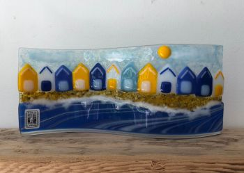 "Beach Hut freestanding ""S"" shaped scene 1"