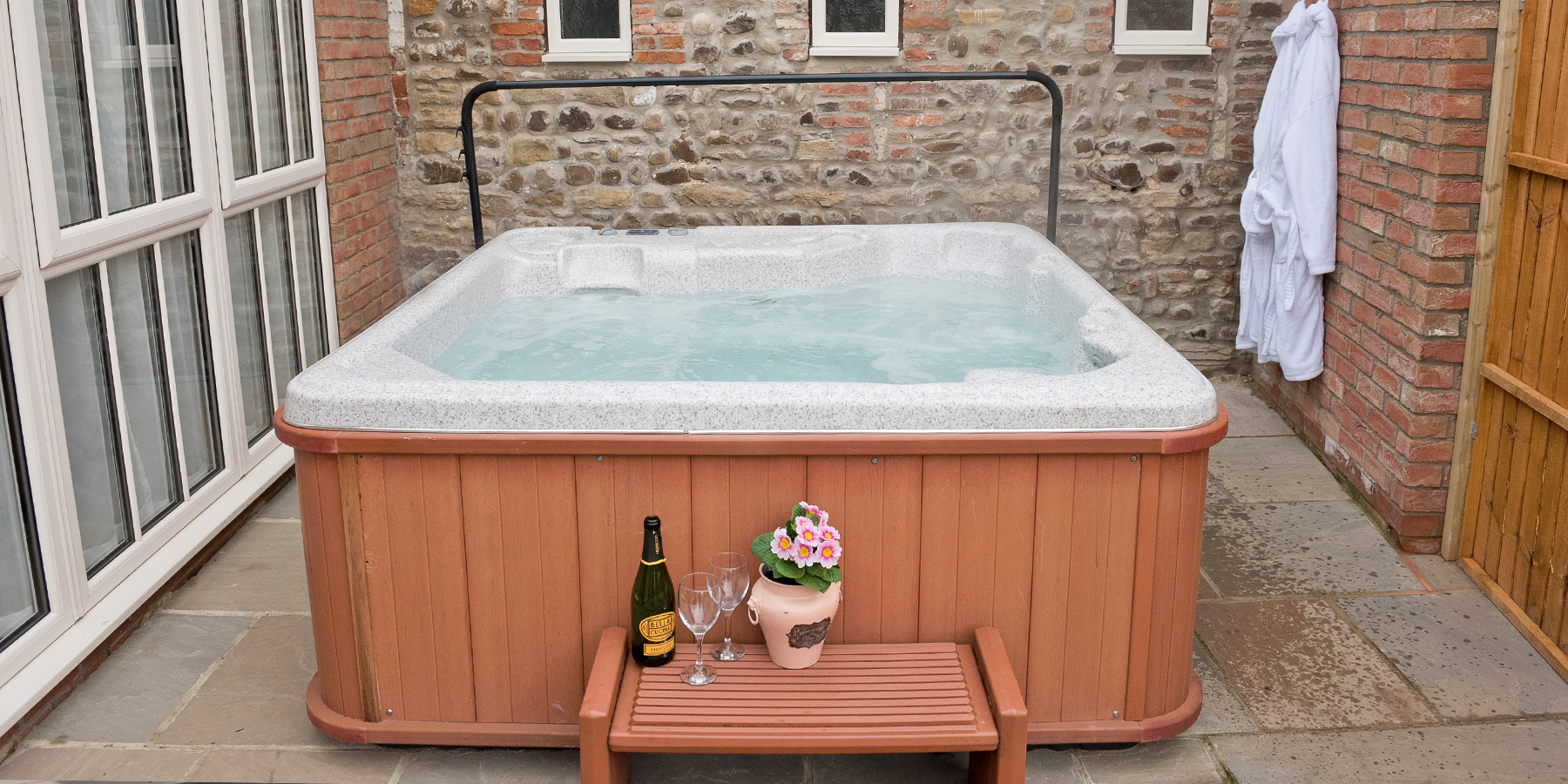 2-Orpington-hot-tub