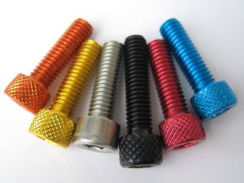 Fuel Cap Bolt Kit for Ducati Monster 900 from 1997-2001, in stainless steel and anodised bolt options.