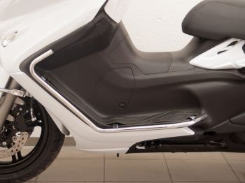 Protection Guard, Front for Suzuki AN650 Z Burgman Executive in chrome, 2013 onwards