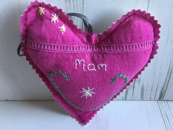 "Embroidered heart designed for ""Mam"""
