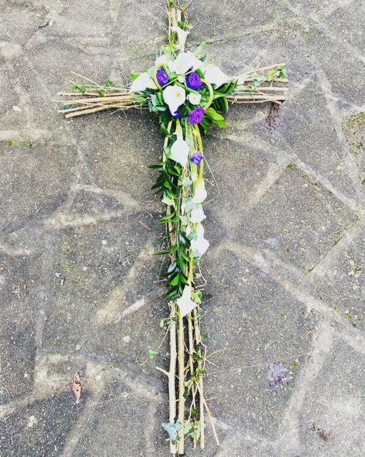 CR02 - Rustic Cross