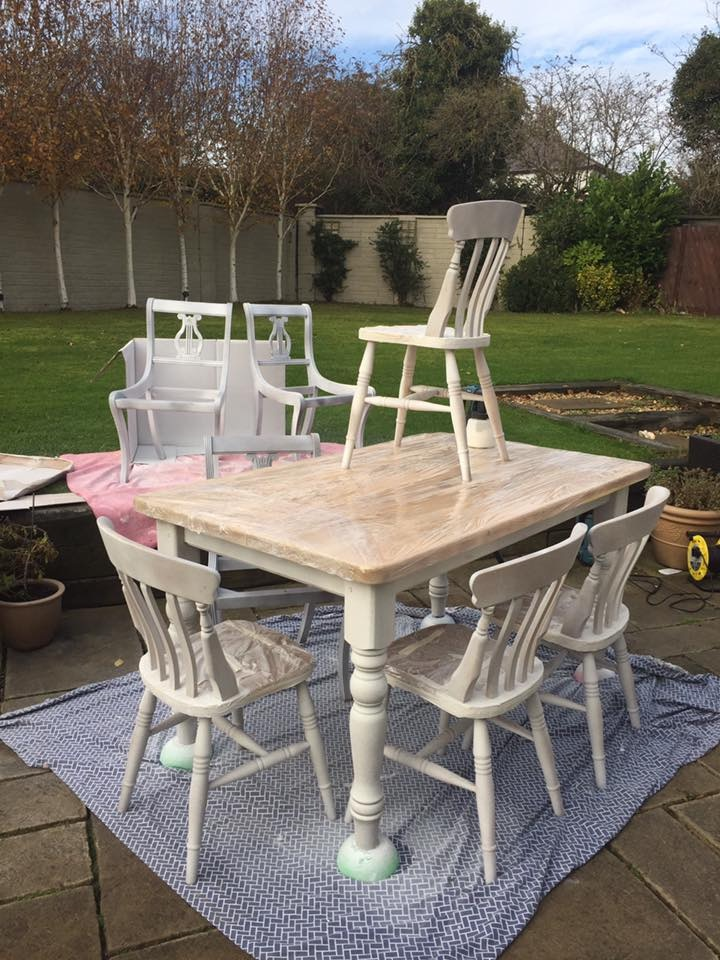 FB Table n chairs sprayed