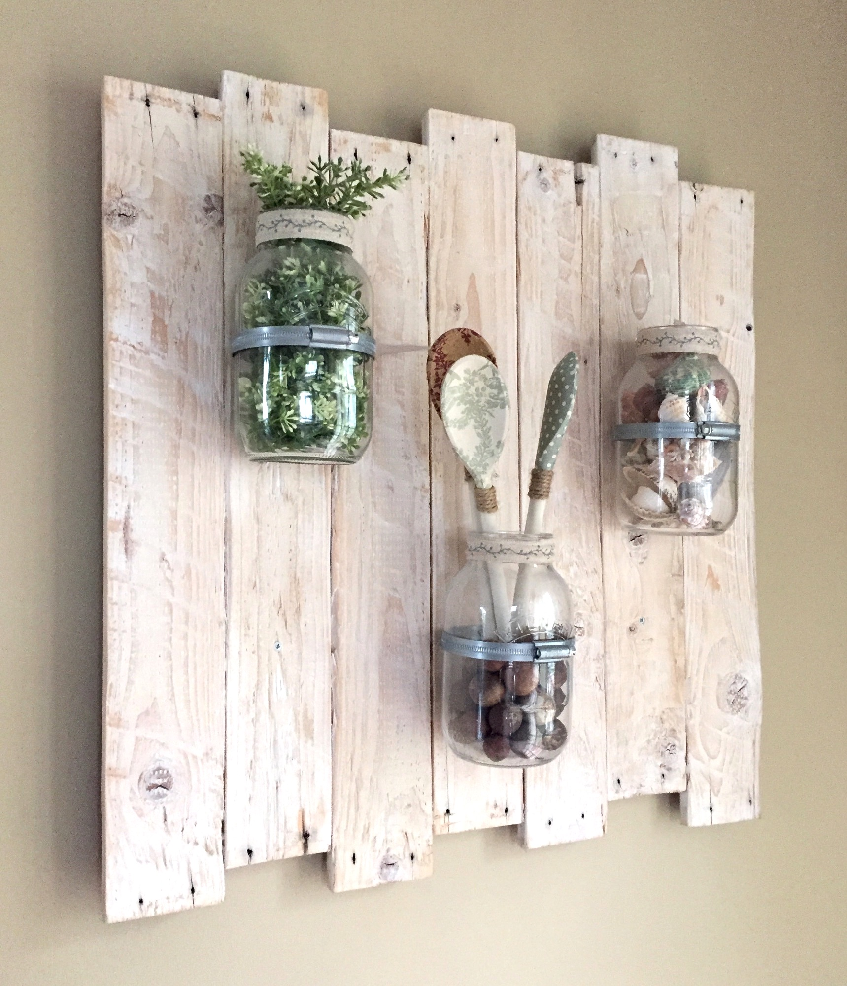 Pallet Wood recycled holding jars