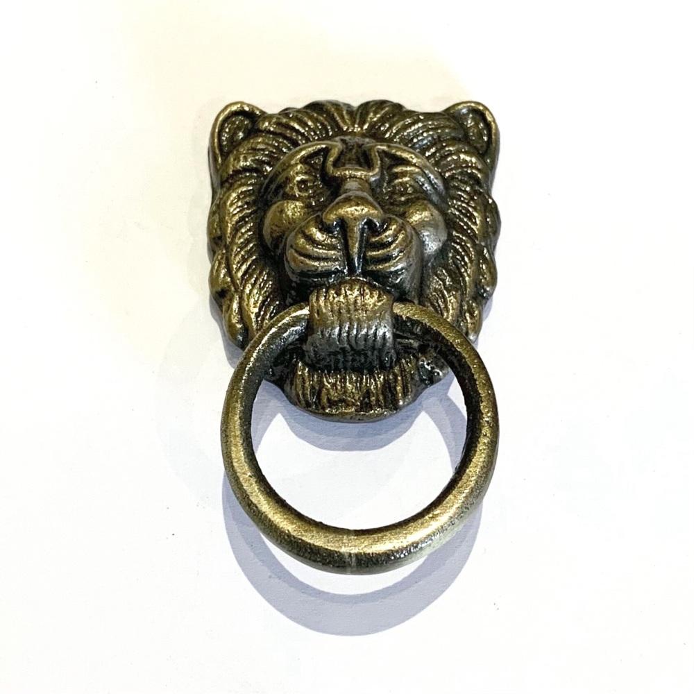 Knobs - Lion Pull