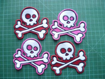 Patch - SKULL AND CROSSBONES. Embroidered sew-on patch