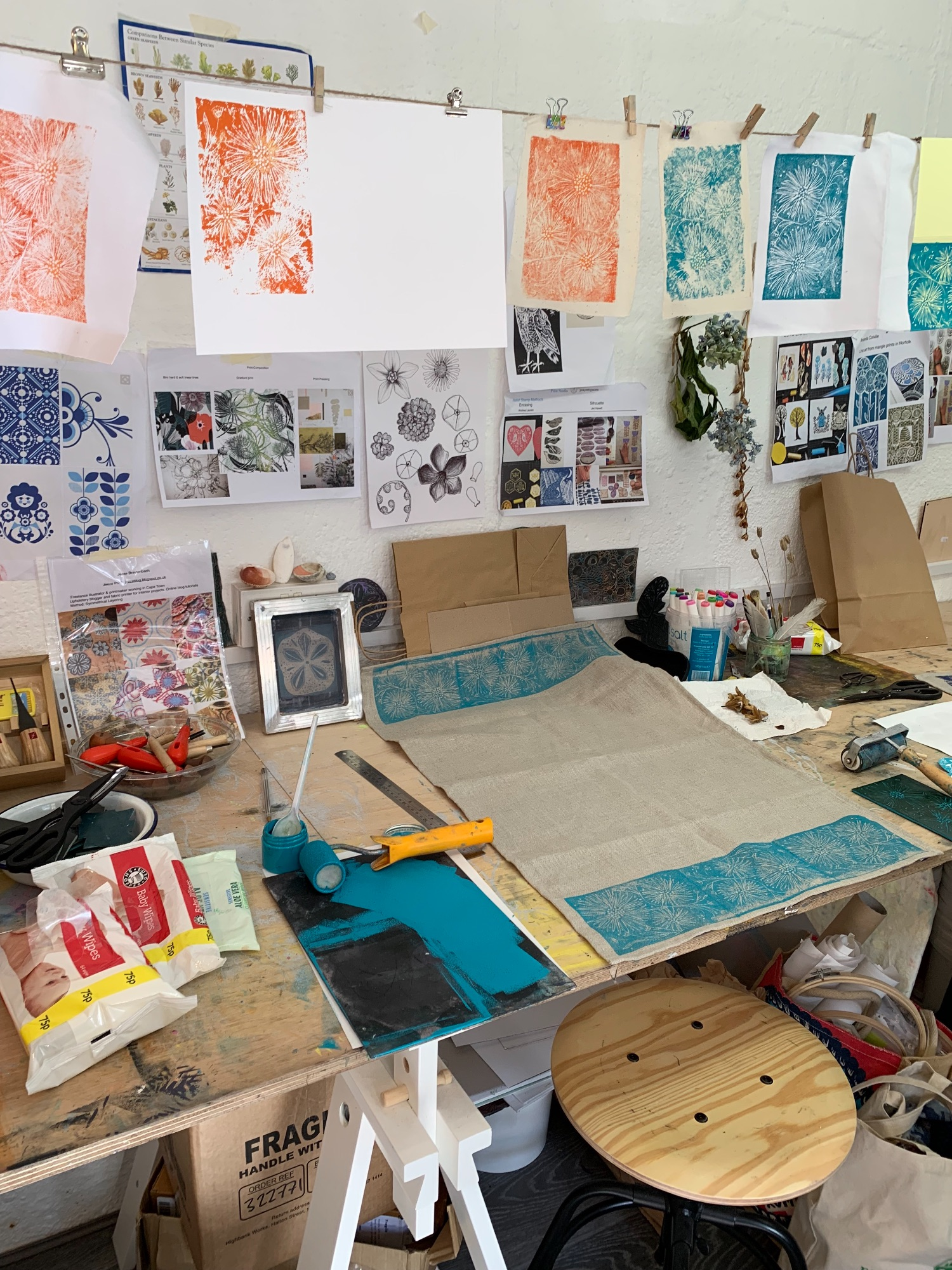 print studio offering workshops in lino printing and screen printing