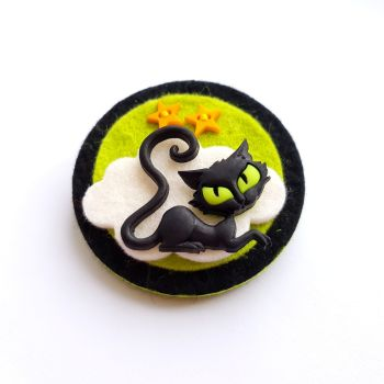 SALE! Creepy Cat Brooch