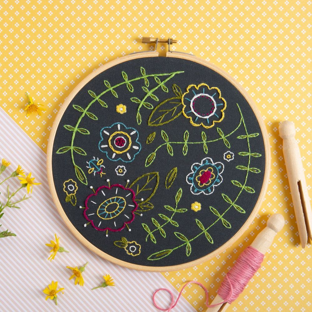 Hawthorn Embroidery Kits - Spring Posey