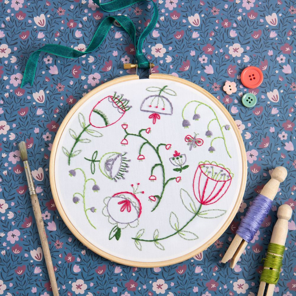 Hawthorn Embroidery Kit - Folk Blossom