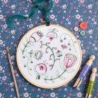Hawthorn Embroidery Kit - Folk Blossom