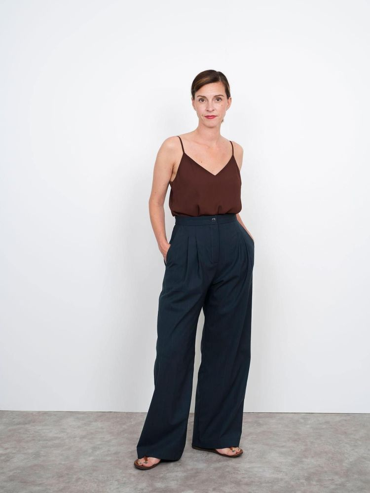 Assembly Line - High waisted Trousers XS-L