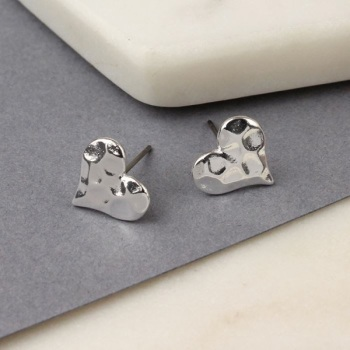 EARRINGS - HAMMERED HEART STUDS (01416)