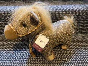 DORA DESIGNS -  MAGIC HORSE DS712