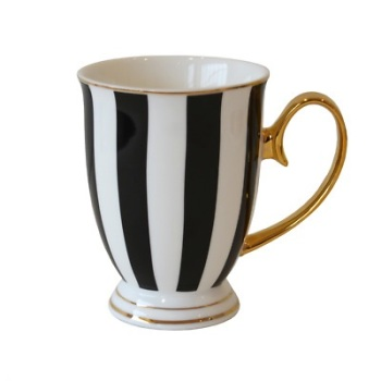 Black & White striped  Mug  - VIX909B