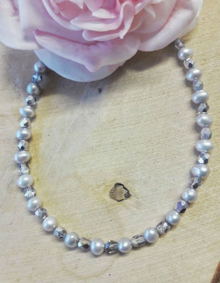 Freshwater Pearls Silver Grey with Silver Crystals