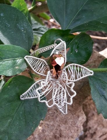wire flower necklace 5