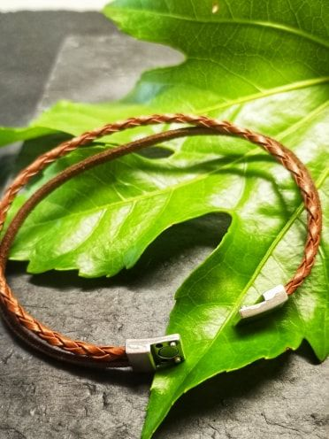 leather bracelet 1.jpg