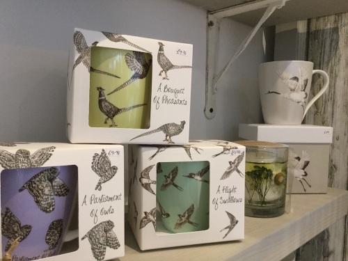 mugs-and-candles