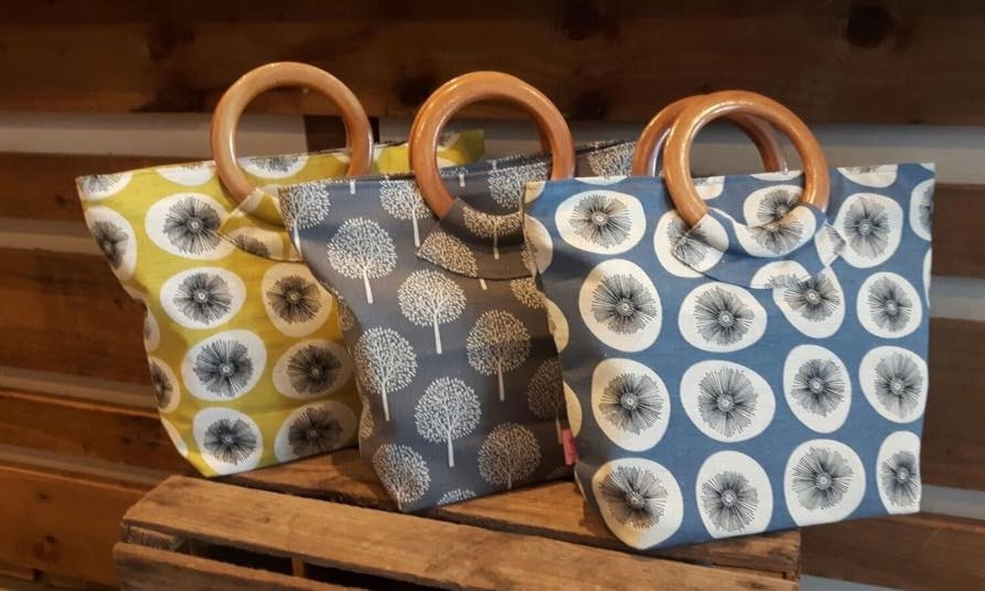 wooden-handled-bags