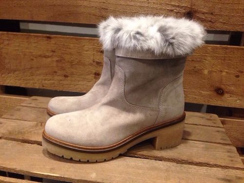 fur-topped-short-boots
