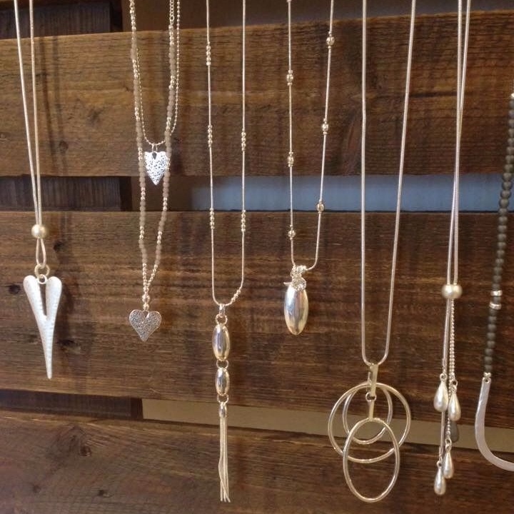 long-pendant-necklaces