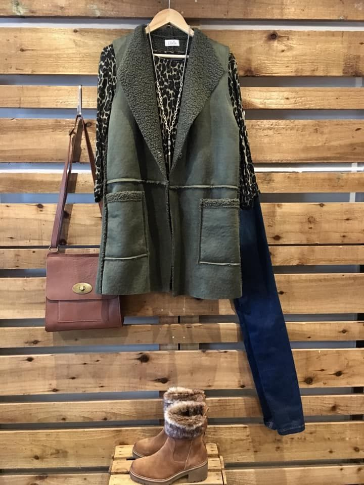 Sleeveless suede jacket outfit