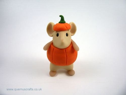 Little Mouse in Pumpkin Costume MHL