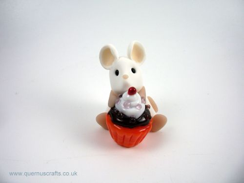Little Mouse with Glass Cupcake MHL