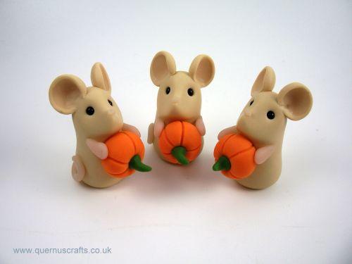 Tiny Pumpkin Mouse MHL