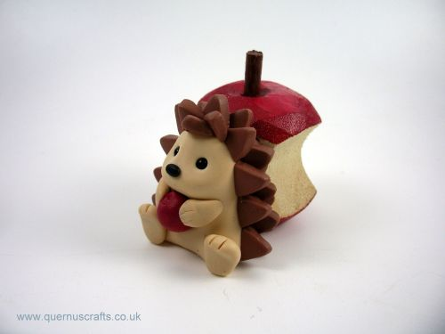Little Hedgehog with Apple MHL