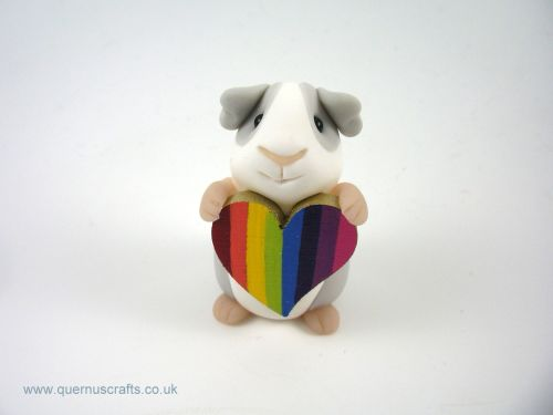 Little Guinea Pig with Bright Rainbow Heart QL7
