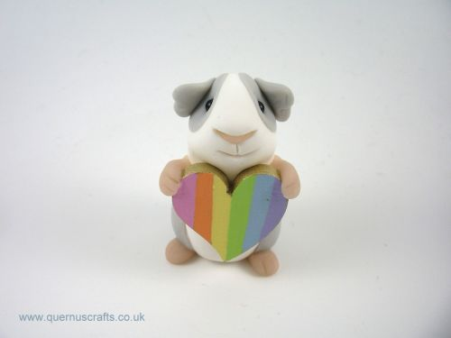 Little Guinea Pig with Pastel Rainbow Heart QL7