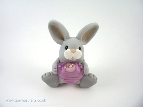 Little Grey Bunny with Glass Heart QL7