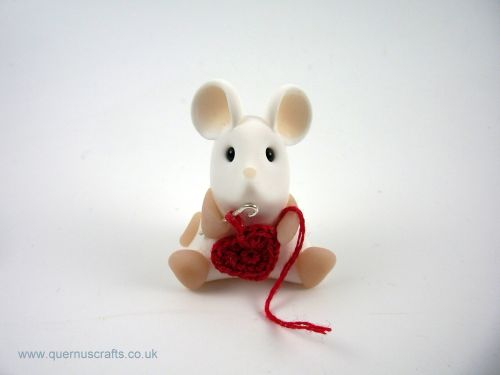 Little Crochet Heart Mouse - Red QL7