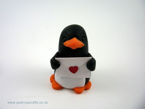 Little Valentine Penguin with Card QL7