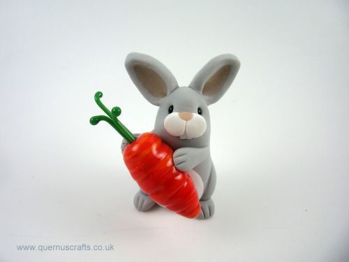 Little Grey Bunny with Glass Carrot (MQEL)