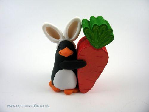 Little Easter Penguin with Wooden Carrot (MQEL)