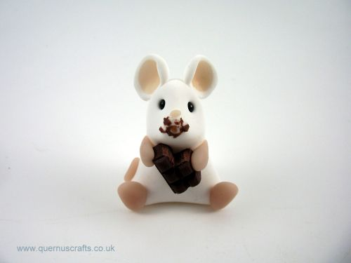 Little Mouse with Chocolate (MQEL)