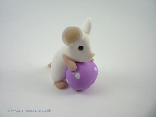 Little White Easter Egg Mouse (MQEL)