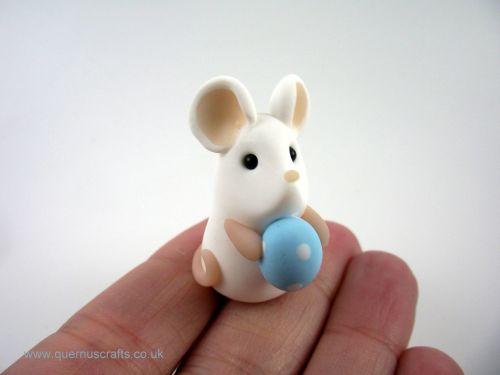 Tiny Blue Easter Egg Mouse (MQEL)