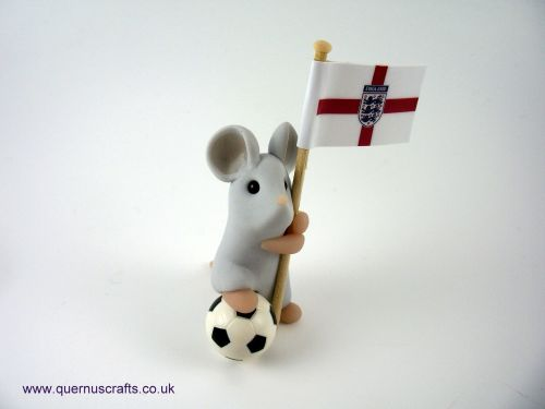 Little Three Lions Football Mouse QL9
